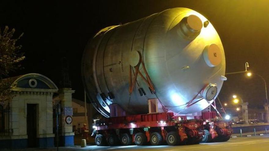 El transporte para Repsol obligó a girar varios semáforos
