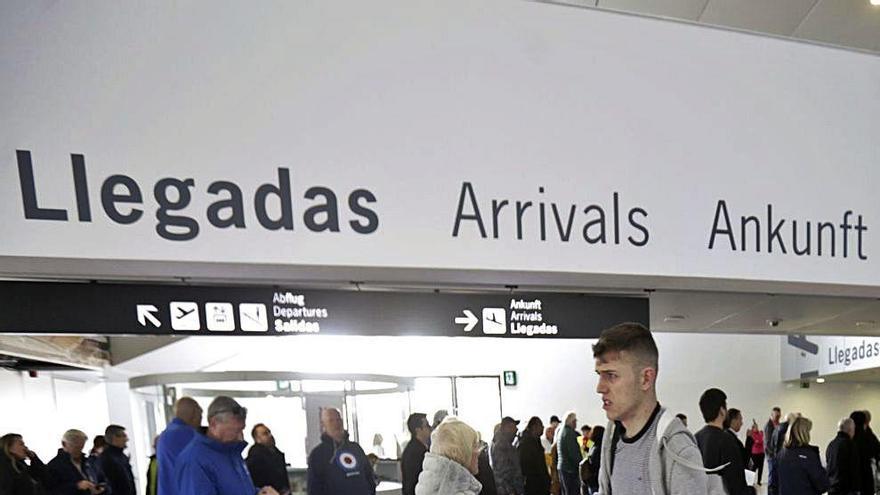 El recorte de los  vuelos a Reino Unido mantendrá Corvera a medio gas este invierno