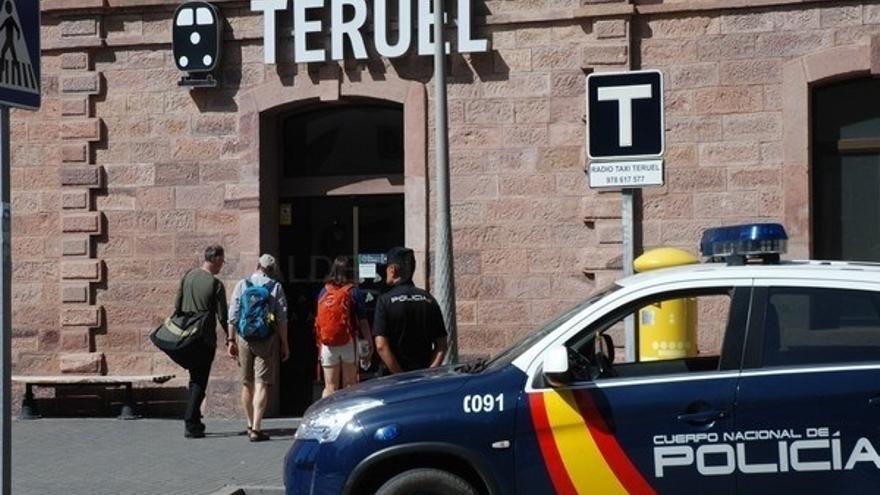 Un policía fuera de servicio salva la vida de un bebé por atragantamiento en Teruel