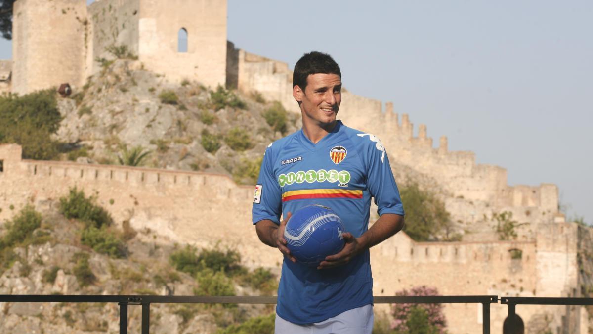Aritz Aduriz en la presentación en el Castell de Xàtiva en 2010.