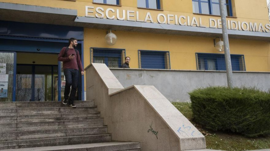 Alumnos de la Escuela de Idiomas de Zamora se unen para exigir una certificación justa