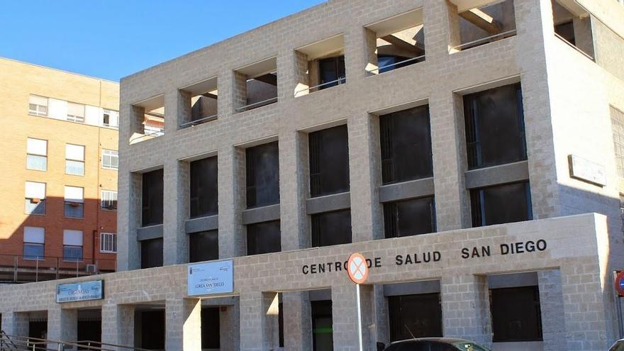Los centros de salud de la Región en nivel rojo descienden a 21