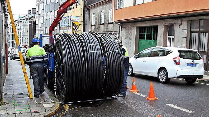 """La empresa """"R"""" dota con velocidad rápida de internet al núcleo rural de Serantellos"""