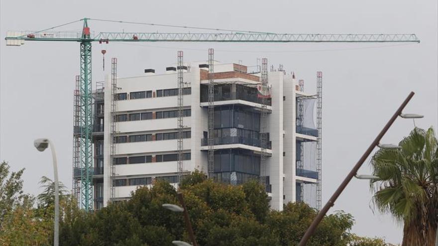 Los cooperativistas de la Torre del Agua desisten de la obra y exigirán lo pagado