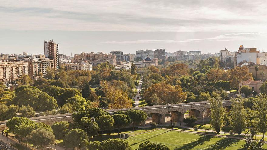 Una guía redescubre el patrimonio del Jardín del Turia