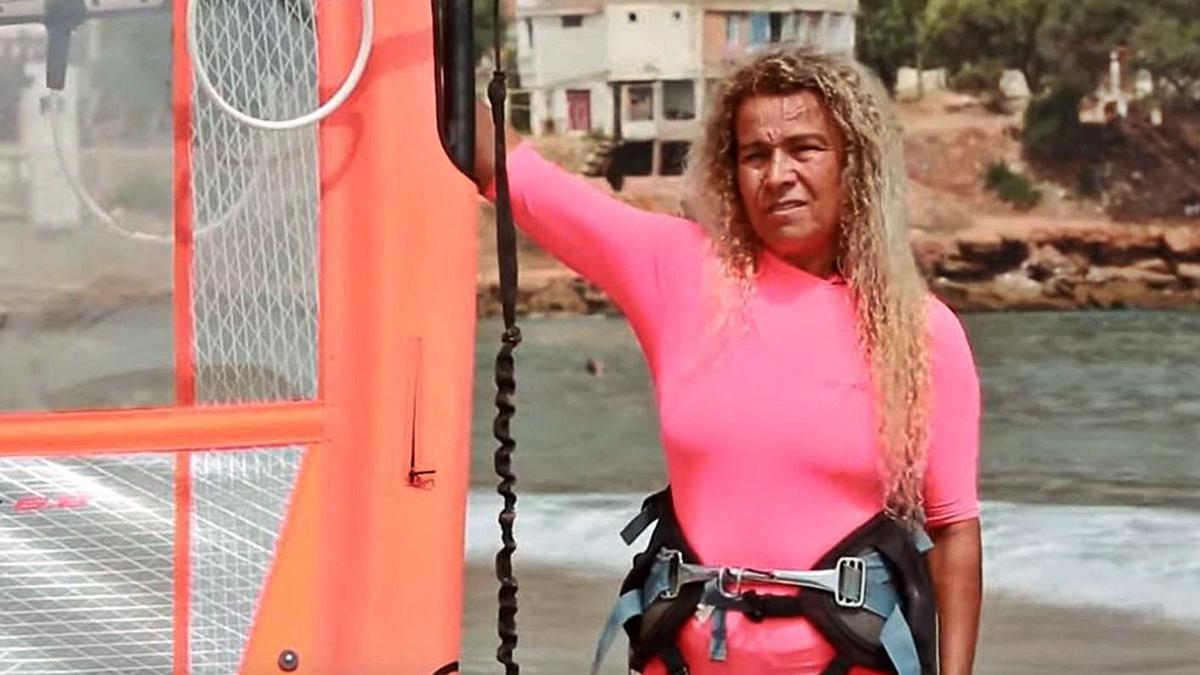 Bakhta Ramdani, la windsurfista que desapareció en Tipaza y cuyo cadáver fue hallado en Xàbia.   LEVANTE-EMV