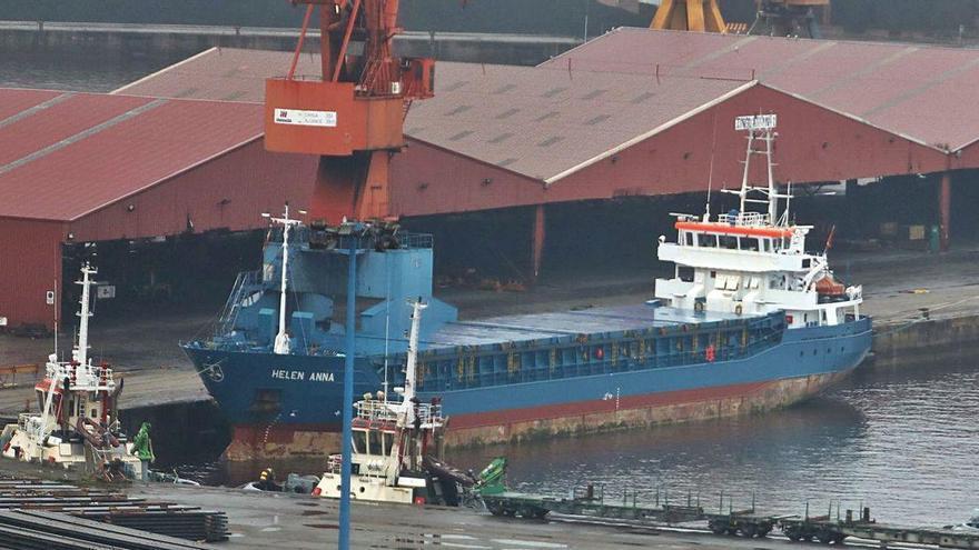 Confinada la tripulación de un buque en El Musel tras dar positivo un marinero