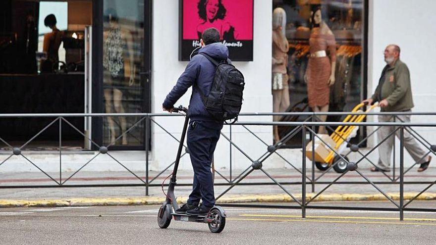Multas hasta de 600 euros para patinetes y bicicletas que no respeten las normas