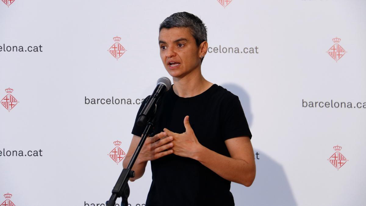 Pla americà de la regidora d'Habitatge, Lucía Martín, en una atenció a mitjans el 15/6/2021