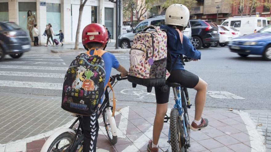 L'escola es puja a la bicicleta