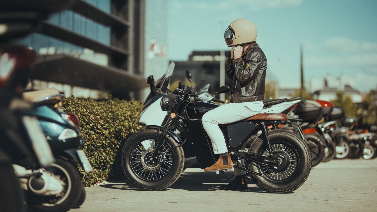 OX Motorcycles traslada la producción de su moto eléctrica OX One a España