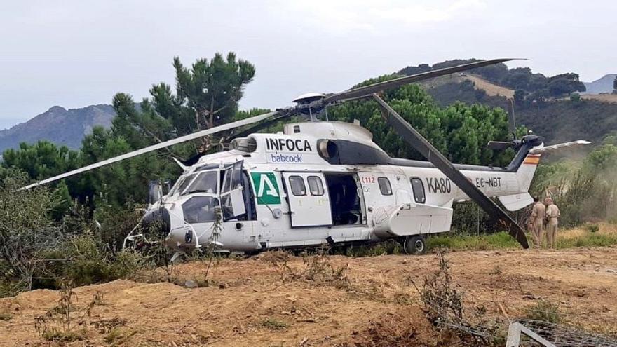Un helicóptero del Infoca sufre un accidente mientras sobrevolaba el incendio de Sierra Bermeja