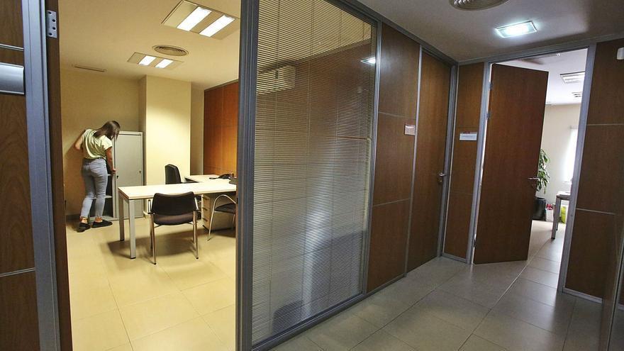 La crisis y el teletrabajo amenazan a la oficina