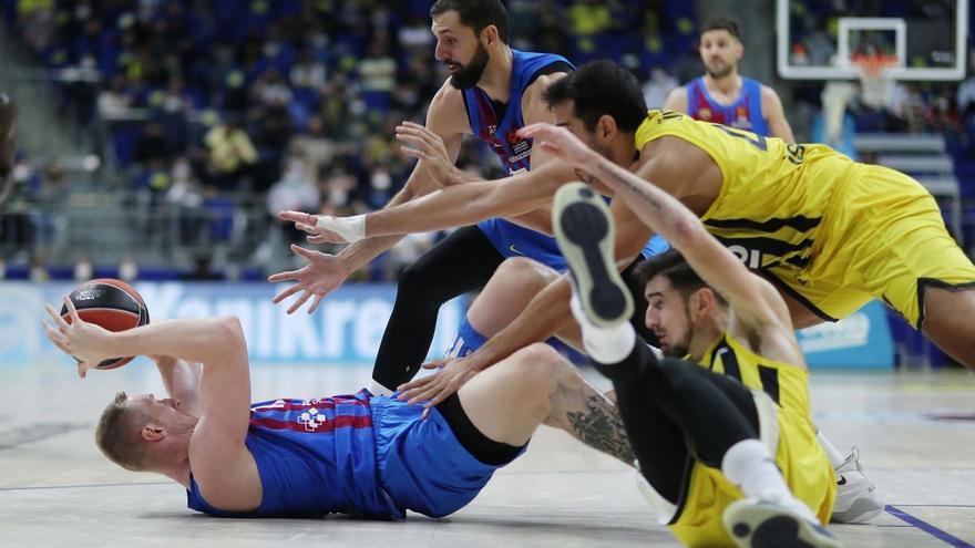El Barça asalta Estambul con una canasta de Mirotic en el último segundo