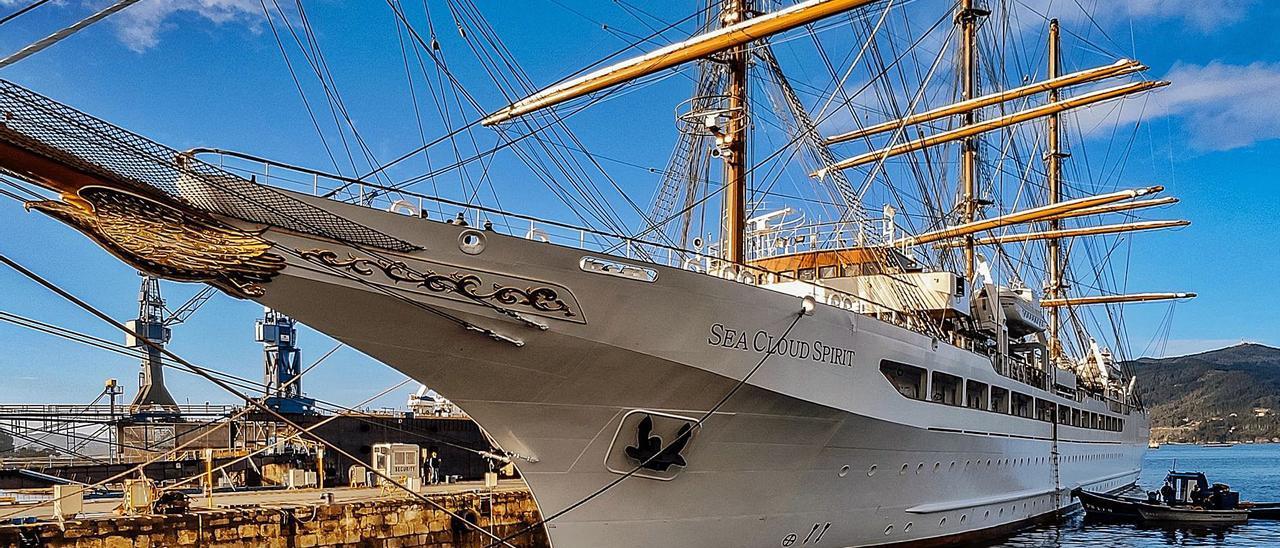 """El crucero a vela """"Sea Cloud Spirit"""", en las instalaciones de Metalships & Docks.     // SEA CLOUD"""