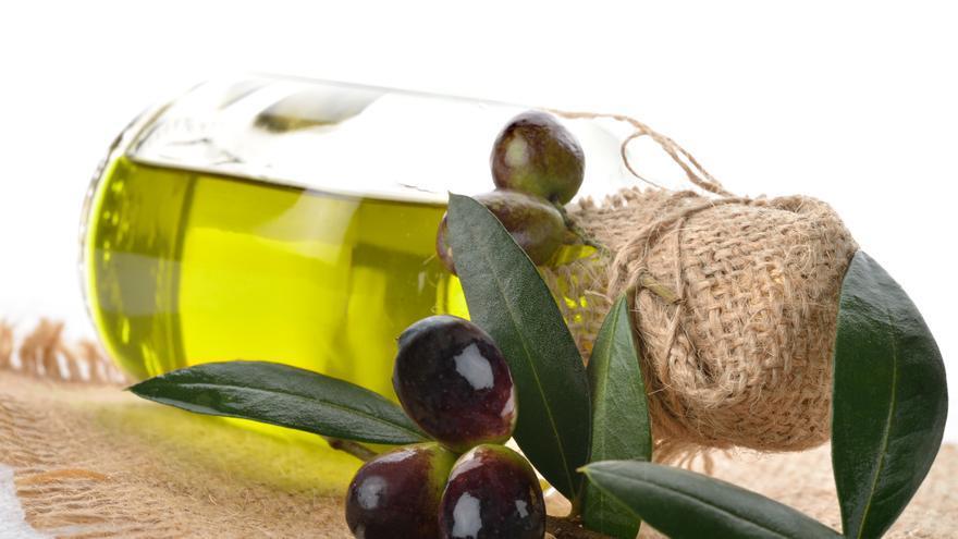 Baja tu colesterol con aceite de oliva y otros alimentos de la dieta mediterránea