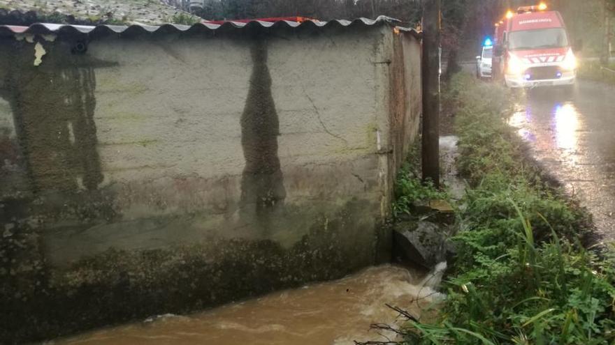 Evacuada por segunda vez en un mes al inundarse su casa en Cambre