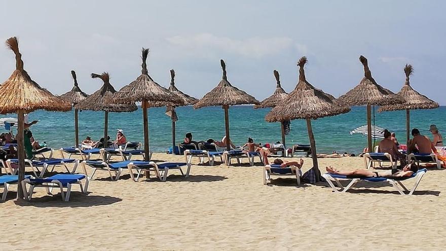 La CEOE pide atajar la crisis del turismo bajándole el IVA al 7% hasta el 2022