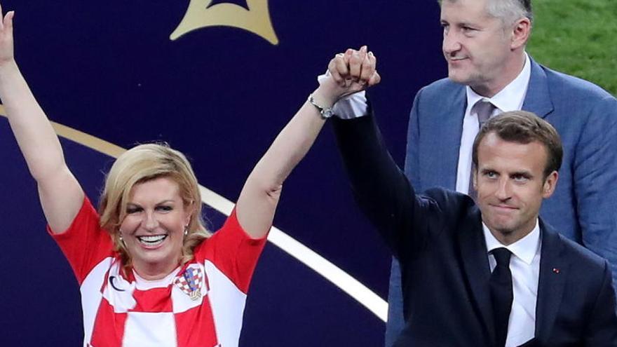 Macron y Grabar-Kitarovic, ejemplo de deportividad