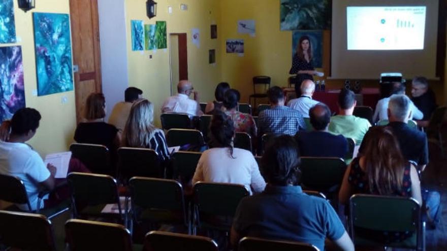 Promover la exportación de vinos isleños, objetivo de Cajamar y la Cámara