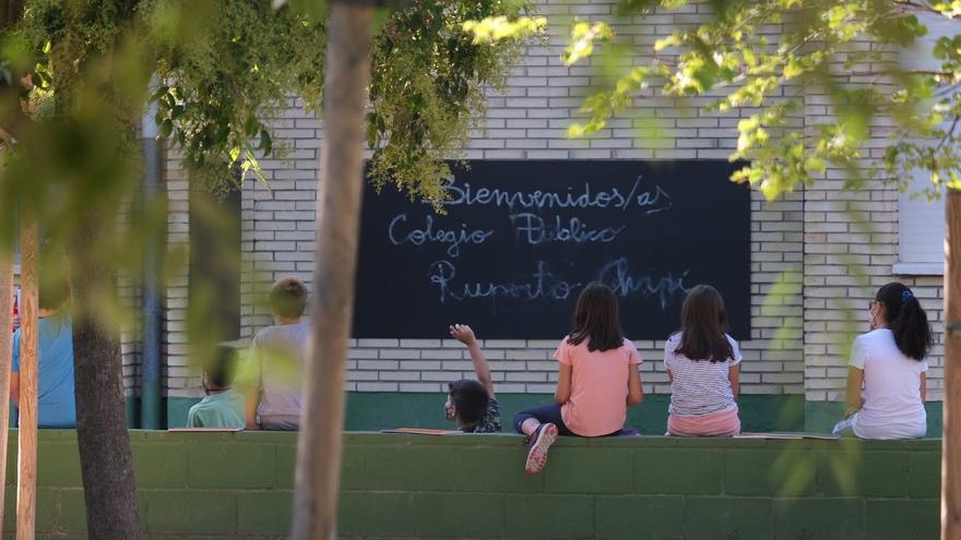 Sanidad pone en cuarentena una clase de un colegio de Villena por un positivo en covid-19