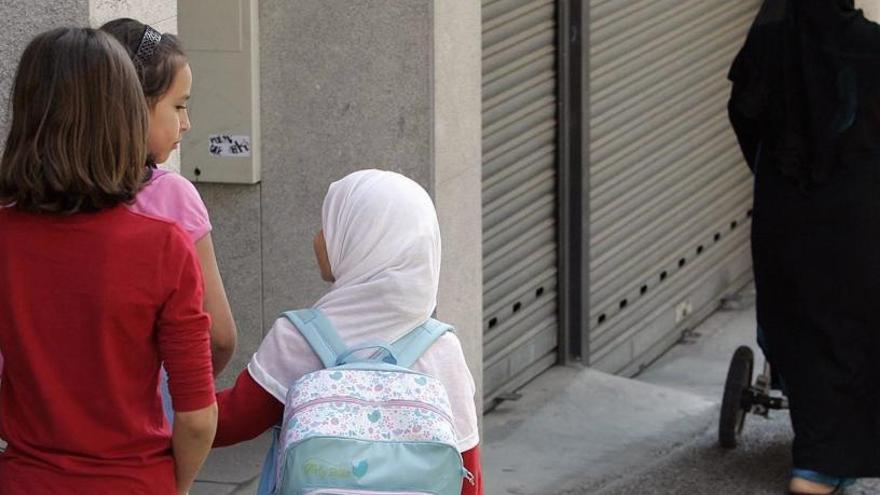 Austria prohíbe el uso del velo islámico en las escuelas de primaria