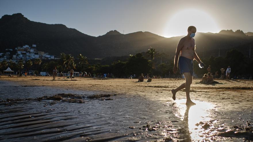 Santa Cruz prohíbe el acceso a las playas y el estacionamiento en horario nocturno