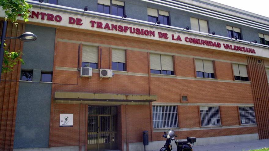 La Diputación cede a Sanidad otros 30 años el edificio del centro de transfusiones
