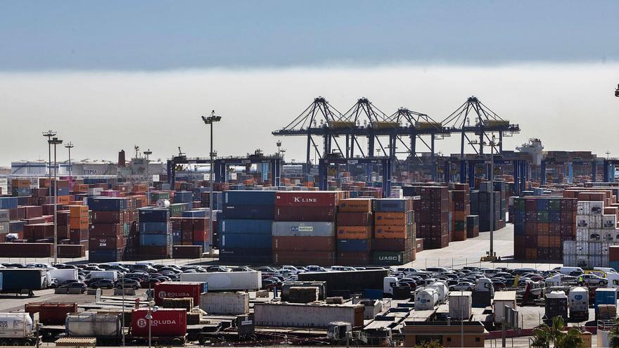 Los puertos reducirán las tasas a las navieras hasta un 17 % para garantizar los tráficos en 2021