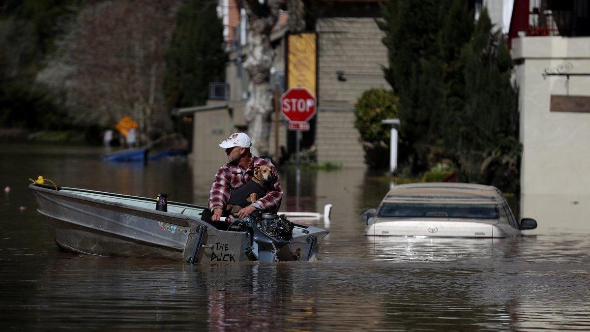 Alerta máxima en California por tormentas eléctricas e inundaciones