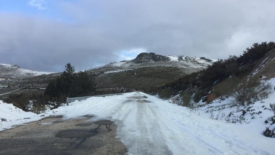 Temporal Filomena en Zamora: El Alto de Vizcodillo, cortado al tráfico