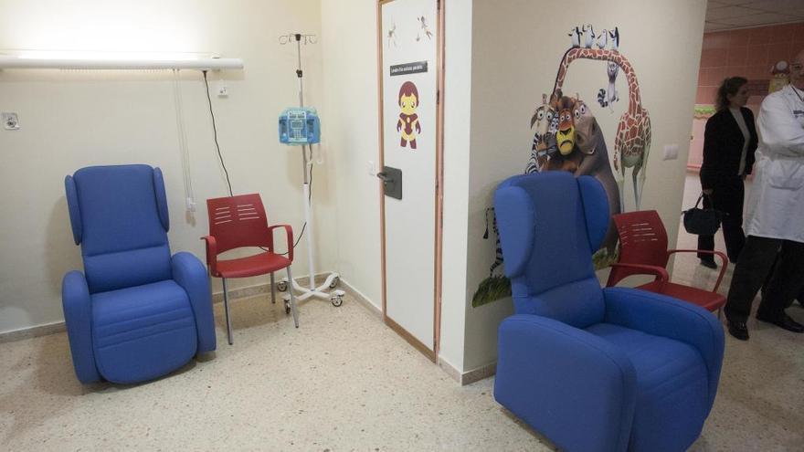 Cierran centros de especialidades para reforzar los hospitales