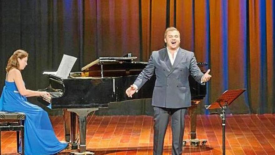 Canción napolitana en un recital lírico en Sant Josep