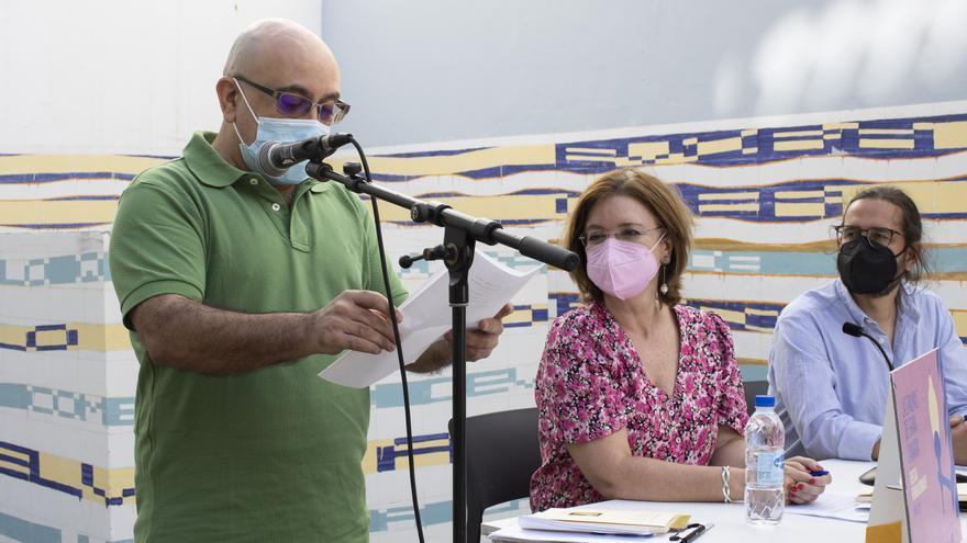 Octavio Escobar gana el premio de Poesía Ciudad de Las Palmas