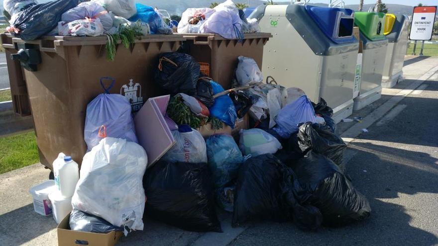 "Ontinyent aplica un ""155 municipal"" y ordena a Urbaser que retire la basura de sus calles"