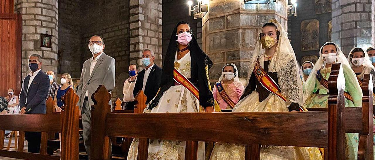 Distintos instantes de una misa donde se vivieron momentos únicos.