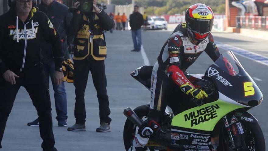 Canet, Masià y Sergio García luchan por el triunfo en Moto3