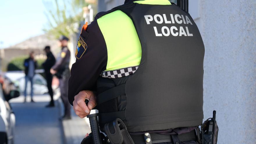 Detenido en Elda tras herir a una mujer al robarle el bolso con un tirón