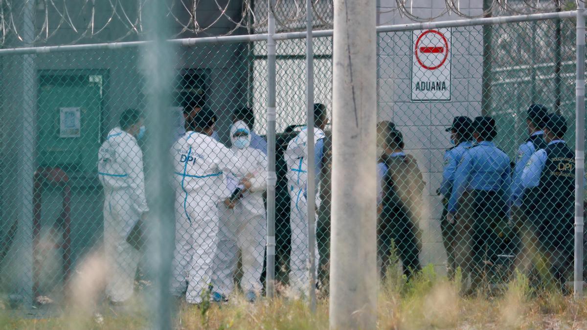 Cinco muertos y 39 heridos en reyerta en una cárcel hondureña de máxima seguridad.