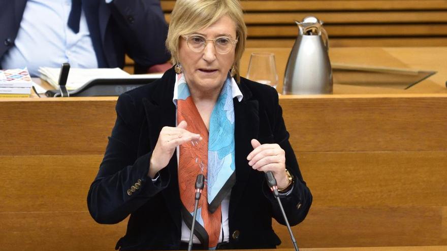 La oposición urge a Barceló a dimitir sin esperar al verano y la consellera replica que el virus no tiene ideología