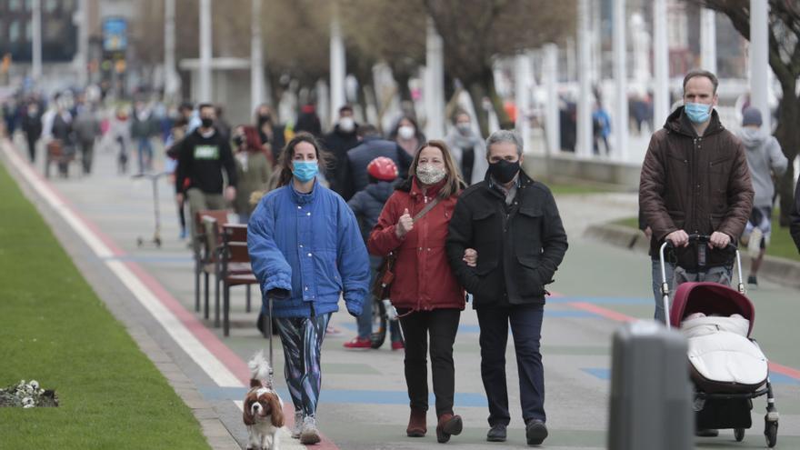 La ampliación de restricciones a Gijón y Mieres hace que siete de cada diez asturianos inicien la semana con cierres perimetrales y de negocios