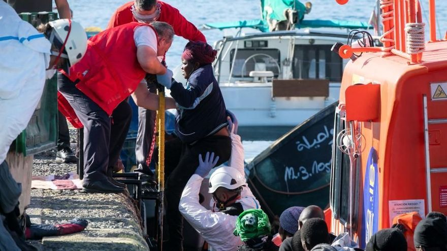 Llega una patera con 37 migrantes a Lanzarote