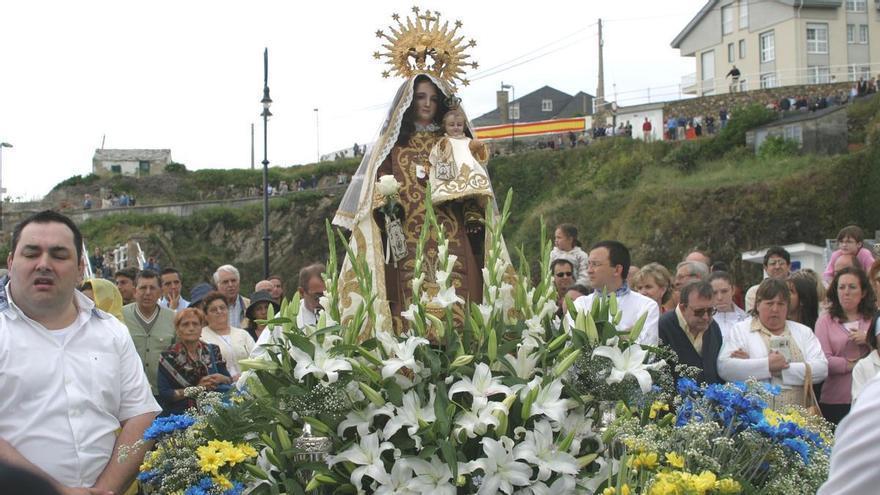 Madrugón para ver la procesión del Carmen en Tapia: la virgen saldrá a las 9 de la mañana