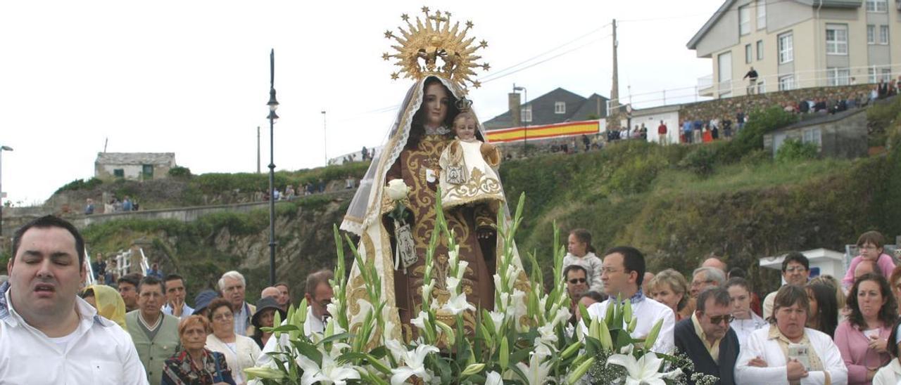 Procesión en Tapia con la Virgen del Carmen, en época previa a la pandemia.