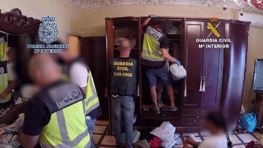 Rincón de la Victoria acoge un curso nacional con una veintena de policías sobre intervención en viviendas