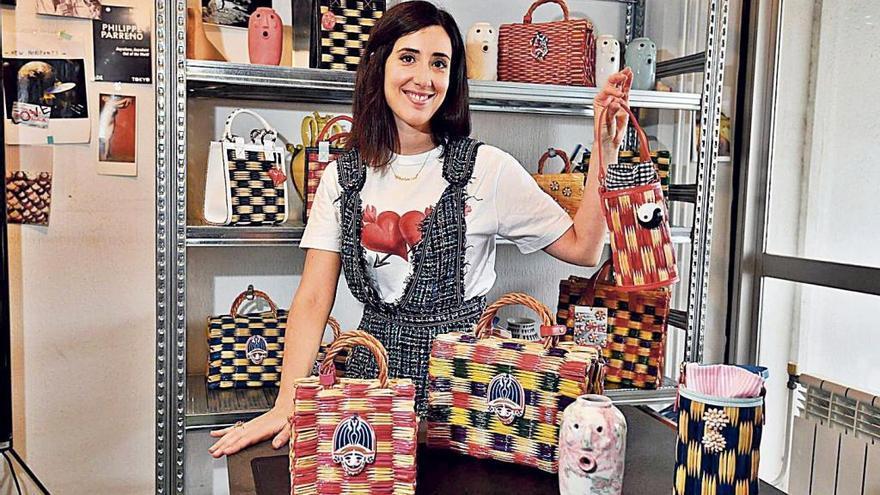Los bolsos que llevan a Galicia por el mundo