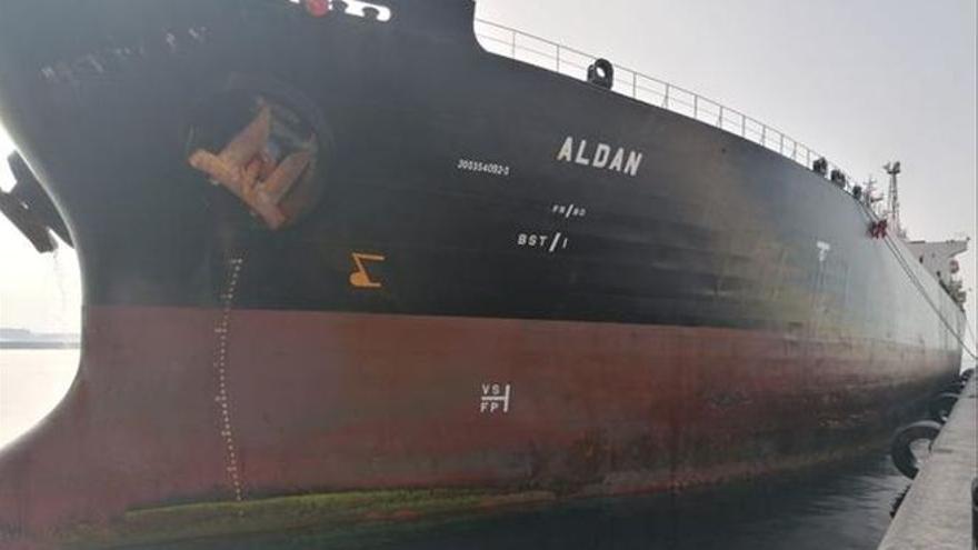 Retenido un buque por descargar hidrocarburo de forma ilegal a 147 millas de La Palma
