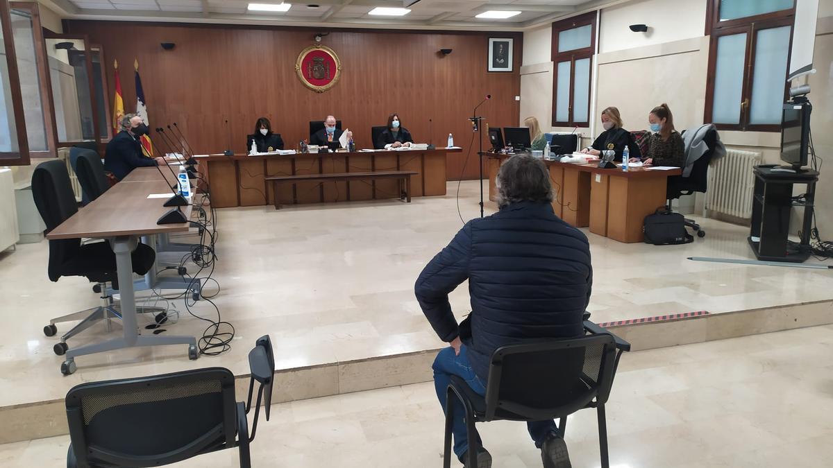 El acusado, durante el juico
