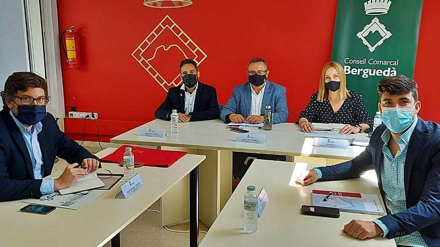 El Consell Comarcal rep la Diputació per tractar projectes per al Berguedà