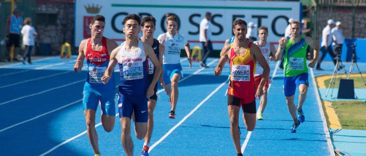 El atleta Eduardo Romero, del fondo a lo más alto en Agüimes